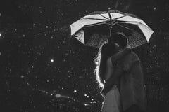 Bacio nella luce della luna. Quadro televisivo Fotografie Stock