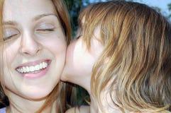 Bacio tenero Fotografie Stock Libere da Diritti