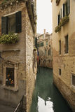 Back Alley Waterway in Venice. Italy. Vertical shot Royalty Free Stock Photos