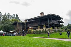 Back To The Future Fans At The Gamble House In Pasadena Stock Photos