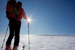 backcountry滑雪滑雪者游览 免版税库存图片