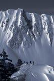 backcountry duotone滑雪者 免版税库存图片
