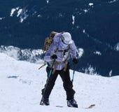 Backcountry skid?kning p? Mount Saint Helens den nationella vulkaniska monumentet fotografering för bildbyråer