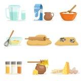 Backen-Bestandteile und Küchen-Werkzeuge und Geräte eingestellt von den realistischen Karikatur-Vektor-Illustrationen mit dem Koc Stockbilder