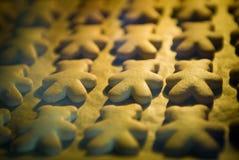 Backen von Plätzchen im Ofen Lizenzfreies Stockfoto