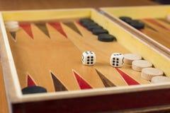 Backgammon würfelt Lizenzfreies Stockfoto
