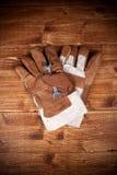 backgorund φορέστε γάντια στη βασι&k Στοκ Εικόνες