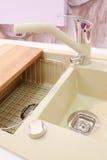 backgriund isolerad ny over vaskwhite för kök Arkivbilder