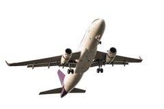 Самолет дела пассажира принимает и летание на белом backgro Стоковые Изображения