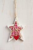 Άσπρη ένωση διακοσμήσεων Χριστουγέννων αστεριών τεχνών στο άσπρο backgroun Στοκ εικόνες με δικαίωμα ελεύθερης χρήσης