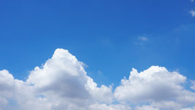 Background blur cloud or fluffy and sky blue Royalty Free Stock Photos