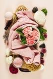 background candle flowers spa πετσέτα κίτρινη Επίπεδος βάλτε Στοκ Φωτογραφία