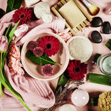background candle flowers spa πετσέτα κίτρινη Επίπεδος βάλτε Στοκ Φωτογραφίες