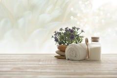 background candle flowers spa πετσέτα κίτρινη Στοκ φωτογραφία με δικαίωμα ελεύθερης χρήσης