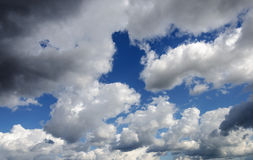 Background of dramatic clouds in blue sky Royalty Free Stock Photos