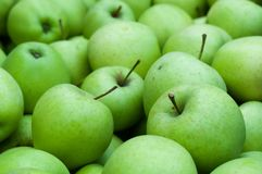 Background of fresh green Granny Smith apples Royalty Free Stock Images