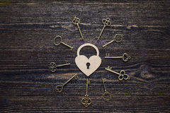 Free Background With Decorative Lock-heart And Antique Keys On Wooden Royalty Free Stock Image - 84917126