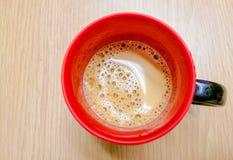 Backgroung da madeira do ‹do on†do ‹do cup†do ‹de Red†do ‹de Coffee†fotografia de stock