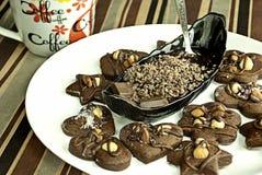 Backgroung mezclado de coookies con el chocolade Imagen de archivo libre de regalías