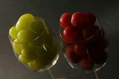 Backlit druiven in het glas Stock Afbeelding