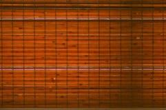 Backlit geweven achtergrond van bamboestroken Stock Foto's