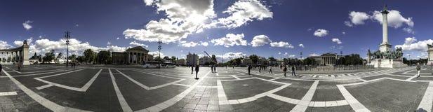 Backlit widok milenium Millenniumi Pomnikowy emlékmű w Hosok kwadracie, Budapest zdjęcia royalty free
