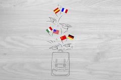Backpack con schioccare delle bandiere di lingua straniera e dei cappelli di graduazione fotografie stock libere da diritti
