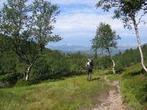 backpacker καταδίωξη φύσης Στοκ εικόνα με δικαίωμα ελεύθερης χρήσης