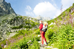 backpacker υψηλή γυναίκα tatras Στοκ Εικόνες