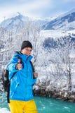 Backpacker emocionado Fotos de archivo libres de regalías