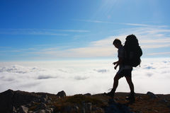 Backpackers silhouette Royalty Free Stock Photos