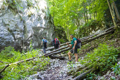 Backpackers on a steep trail Royalty Free Stock Photos