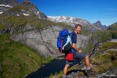 Backpacking in Noorwegen Royalty-vrije Stock Afbeeldingen