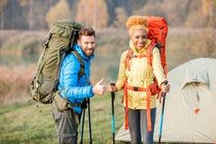 backpacks соединяют hiking стоковые фото