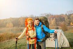 backpacks соединяют hiking стоковые фотографии rf