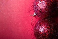 Backround красного перца шарика рождества приветствие рождества карточки рождество веселое Взгляд сверху скопируйте космос Концеп Стоковые Фотографии RF