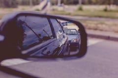 Backspegel av bilen royaltyfri foto