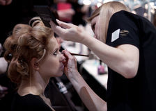 backstabber Makeup πριν από το στενό διάδρομο στοκ εικόνες με δικαίωμα ελεύθερης χρήσης
