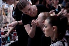 backstabbing Makeup för catwalk arkivfoton