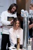 backstabbing Makeup för catwalk royaltyfria foton