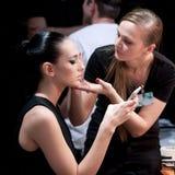backstabbing Makeup för catwalk royaltyfri bild