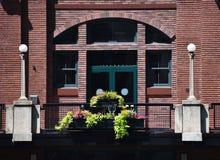 Backsteinbau-Eingang Stockbilder