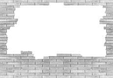 Backsteinmauer mit dem Loch lokalisiert auf weißem Hintergrund Stockfoto