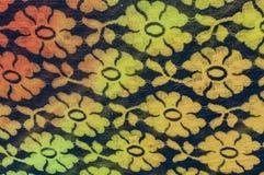 Backsteinmauer mit farbigen Flecken lizenzfreie stockfotos
