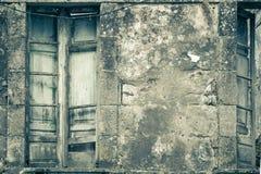 Backsteinmauer mit Fenster Lizenzfreie Stockfotografie