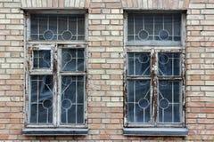 Backsteinmauer mit Fenster, Weinleseart Lizenzfreie Stockfotos