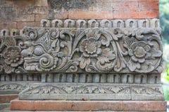 Backsteinmauer mit Stein Lizenzfreie Stockfotografie