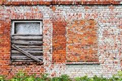 Backsteinmauer und Fenster Lizenzfreie Stockfotografie
