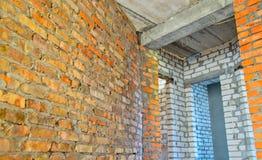 Backsteinmauern in einem Haus im Bau Lizenzfreie Stockfotos