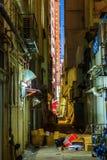 Backstreet en Kowloon, Hong Kong, en la noche Imagen de archivo libre de regalías